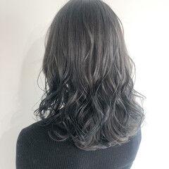 ショートボブ ミディアム 切りっぱなしボブ 極細ハイライト ヘアスタイルや髪型の写真・画像