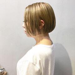 ハンサム アッシュベージュ スモーキーアッシュベージュ コントラストハイライト ヘアスタイルや髪型の写真・画像