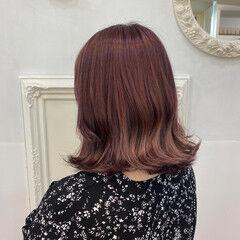 ラベンダーピンク ガーリー ピンクベージュ ボブ ヘアスタイルや髪型の写真・画像