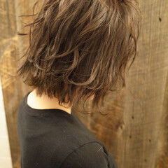 フェミニン 切りっぱなしボブ ミディアム スウィングレイヤー ヘアスタイルや髪型の写真・画像