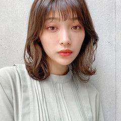 アンニュイほつれヘア 愛され ミディアムレイヤー デジタルパーマ ヘアスタイルや髪型の写真・画像