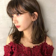 大人かわいい デート 美女 セミロング ヘアスタイルや髪型の写真・画像