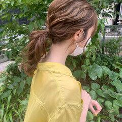 ローポニーテール セルフヘアアレンジ ナチュラル ヘアアレンジ ヘアスタイルや髪型の写真・画像