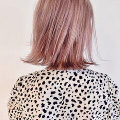 アプリコットオレンジ コーラルピンク 切りっぱなしボブ ミニボブ ヘアスタイルや髪型の写真・画像