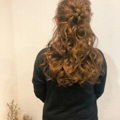 フェミニン 結婚式 セミロング ヘアセット ヘアスタイルや髪型の写真・画像