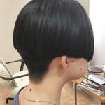 刈り上げ マッシュ 刈り上げ女子 黒髪