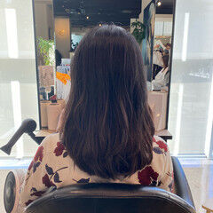 レイヤーカット 艶髪 大人可愛い フェミニン ヘアスタイルや髪型の写真・画像