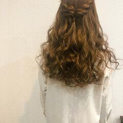 ハーフアップ ヘアアレンジ フェミニン ロング ヘアスタイルや髪型の写真・画像