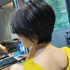 暗髪 ショート ショートヘア ナチュラル ヘアスタイルや髪型の写真・画像