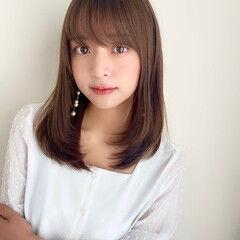 小顔ヘア 秋冬スタイル 大人可愛い レイヤーカット ヘアスタイルや髪型の写真・画像