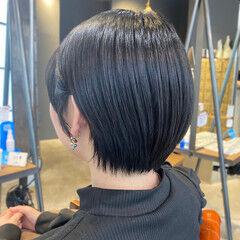 前下がりショート 暗髪女子 ショート ショートヘア ヘアスタイルや髪型の写真・画像