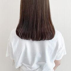 ブリーチなし ミディアム オリーブブラウン ナチュラル ヘアスタイルや髪型の写真・画像