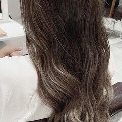 ベージュ グラデーションカラー 透明感カラー 大人かわいい ヘアスタイルや髪型の写真・画像