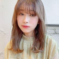 レイヤーカット ミディアム ナチュラル デジタルパーマ ヘアスタイルや髪型の写真・画像