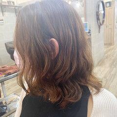 ゆるふわパーマ ミディアム ナチュラル 韓国風ヘアー ヘアスタイルや髪型の写真・画像