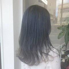 ガーリー グラデーションカラー セミロング アッシュグレージュ ヘアスタイルや髪型の写真・画像