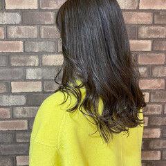 透明感 イルミナカラー ナチュラル ロングヘア ヘアスタイルや髪型の写真・画像