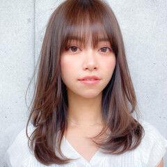 セミディ 小顔 レイヤーカット コンサバ ヘアスタイルや髪型の写真・画像
