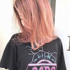 ピンク オレンジ コーラルピンク ヘルシーミディ ヘアスタイルや髪型の写真・画像