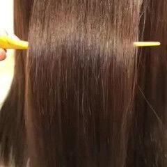柔らかパーマ ロング ナチュラル ストレート ヘアスタイルや髪型の写真・画像