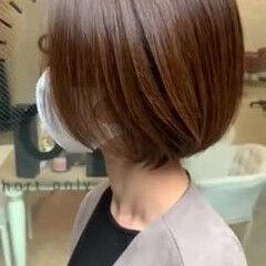 ナチュラル 白髪染め バレイヤージュ ショート ヘアスタイルや髪型の写真・画像