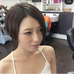 ショートボブ ショート モード ツーブロック ヘアスタイルや髪型の写真・画像
