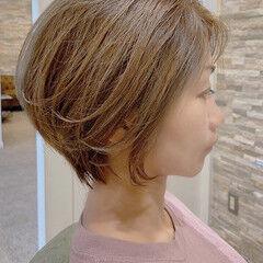 ナチュラル ショートヘア ハンサムボブ インナーカラー ヘアスタイルや髪型の写真・画像