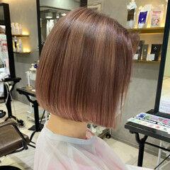 大人女子 ナチュラル ハイトーンカラー ピンクベージュ ヘアスタイルや髪型の写真・画像