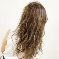 ブリーチ ベージュ ハイトーン ストリート ヘアスタイルや髪型の写真・画像