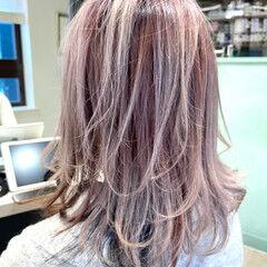 ニュアンスウルフ ウルフカット ウルフレイヤー フェミニン ヘアスタイルや髪型の写真・画像