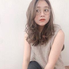 アンニュイ 流し前髪 ナチュラル ゆるかき上げウェーブ ヘアスタイルや髪型の写真・画像