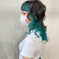 モード インナーブルー ターコイズブルー セミロング ヘアスタイルや髪型の写真・画像