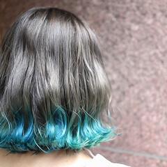 ボブ ターコイズブルー グラデーションカラー 裾カラー ヘアスタイルや髪型の写真・画像