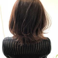 フェミニン ミディアム ハイライト イルミナカラー ヘアスタイルや髪型の写真・画像