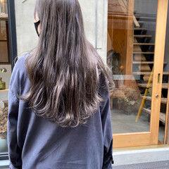 透明感 くすみベージュ ナチュラル ロング ヘアスタイルや髪型の写真・画像
