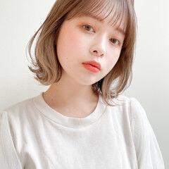 鎖骨ミディアム インナーカラー エレガント 透明感 ヘアスタイルや髪型の写真・画像