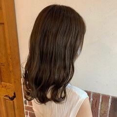 ナチュラル セミロング 外ハネボブ なみウェーブ ヘアスタイルや髪型の写真・画像