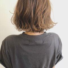 巻き髪 ナチュラル 透明感カラー 外ハネボブ ヘアスタイルや髪型の写真・画像
