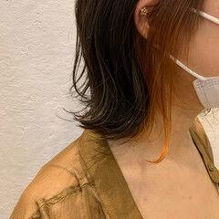 ボブ 切りっぱなしボブ ガーリー インナーカラーオレンジ ヘアスタイルや髪型の写真・画像