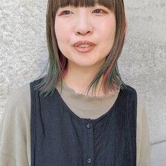 ベリーピンク グラデーションカラー ターコイズブルー ミディアム ヘアスタイルや髪型の写真・画像