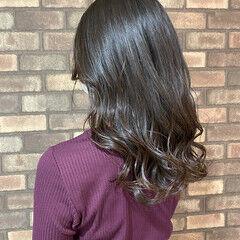 ナチュラル スロウ イルミナカラー N.オイル ヘアスタイルや髪型の写真・画像