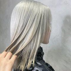 ホワイトグレージュ ショート ホワイト ホワイトカラー ヘアスタイルや髪型の写真・画像