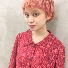 ナチュラル ハイトーンカラー サーモンピンク ダブルカラー ヘアスタイルや髪型の写真・画像