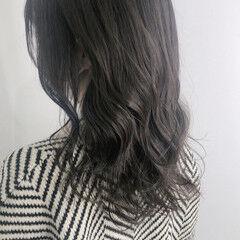 ロング ナチュラル 透け感 ダークカラー ヘアスタイルや髪型の写真・画像