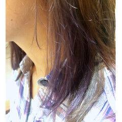 ヘアカラー ストリート セミロング イヤリングカラーピンク ヘアスタイルや髪型の写真・画像