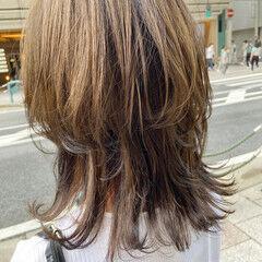 ニュアンスウルフ ウルフカット ブラウンベージュ マッシュウルフ ヘアスタイルや髪型の写真・画像
