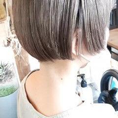 ミニボブ 切りっぱなしボブ ストリート ショートヘア ヘアスタイルや髪型の写真・画像
