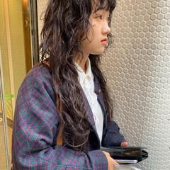 ロング 無造作パーマ ダークカラー スパイラルパーマ ヘアスタイルや髪型の写真・画像