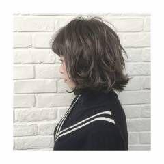 ストリート ボブ ウェットヘア 外ハネ ヘアスタイルや髪型の写真・画像