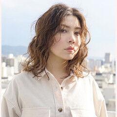 ゆるふわパーマ 360度どこからみても綺麗なロングヘア ミディアム 韓国ヘア ヘアスタイルや髪型の写真・画像